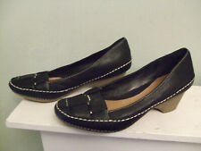 CLARKS Black Leather Loafers on a Rubber Heel Sz 4