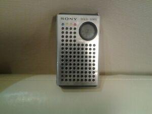 RADIO A TRANSISTOR SONY MODELLO TR 4100