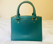 NWT Charles & Keith Mid-sized Basic Crossbody Bag Handbag in Green