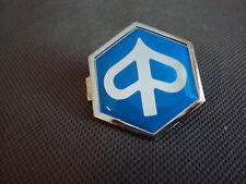 Piaggio Emblem Logo Front  Verkleidung Kaskade Schild vorne Original Ersatzteil
