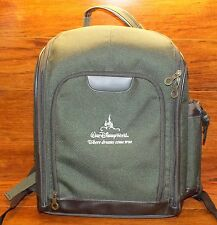 Walt Disney World Insulated Green Backpack w/ Wooden Utensils For Easy Picnicing