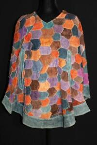 """CLASSIC VINTAGE 1960'S-1970'S WOMAN'S PATCH SUEDE CAPE ONE SIZE 32"""" LENGTH"""