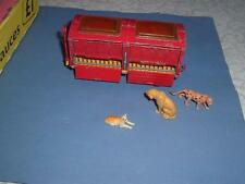CHIPPERFIELDS CIRCUS ANIMAL TRAILER WITH 3 CAT FAMILY ANIMALS (NOT ORIGINAL)