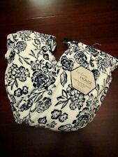 hudson house luxe plush blanket nwt full/queen blue white floral