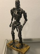 Hot Toys Terminator Salvation T-700 Figure