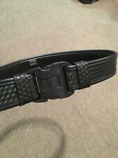Police - Bianchi AccuMold Elite Duty Belt/accessories. Slightly Used condition.