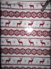 Nicole Miller Cotton 2 Standard Pillowcases Snowflake Star Reindeer Red Silver