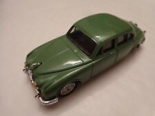 CORGI VANGUARDS 1/43 CLASSIC JAGUAR MK II GREEN DIECAST MODEL CAR