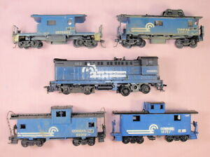 HO Conrail lot w Athearn Dummy S12 & four cabooses, vintage, for restore