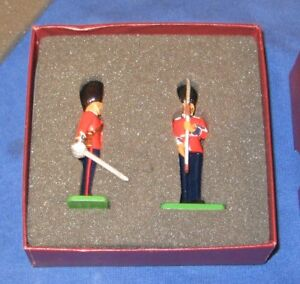 Britains 00256 Scots Guards 1899 Present Arms (Limited Edition)