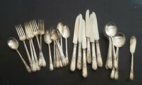 1847 Rogers Brothers Adoration Silver Plate Flatware 32 Piece Mixed Lot