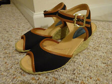Women's Sandal Wedges Size 7 NEW WITH BOX