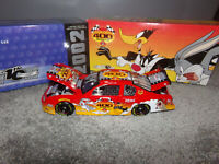 1/24 LOONEY TUNES REMATCH EVENT CAR  2002 ACTION NASCAR DIECAST