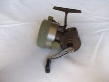 VINTAGE CRACK CONTACT CLOSED FACE REEL --- IN NICE USEABLE CONDITION