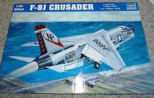 Trumpeter 1/32 F-8J Crusader