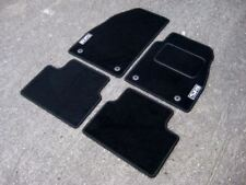 """Car Mats in Black to fit Vauxhall Vectra C (2002-2009) + Silver """"SRI"""" Logos (x2)"""