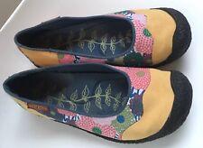 Keen Floral Patchwork Flats Size 6 Slip On EUC EU Size 36