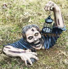 GARDEN AND HOME LARGE ZOMBIE CRAWLING OUT OF GRAVE SOLAR LED LAMP STATUE FIGURE