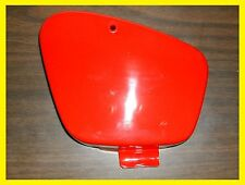 *OEM HONDA MONZA RED BATTERY BOX COVER CT110 TRAIL 110 1982 TO 1986 (READ) (76G)