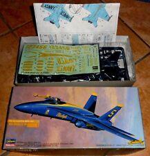 BLUE ANGELS F/A-18A HORNET KIT MONTAGGIO HASEGAWA SCALA 1:72 n.812
