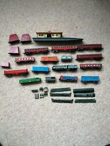 Lone Star train set items