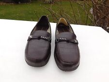 PREDICTIONS LADIES BROWN LEATHER LIKE  LOAFERS SIZE 7.5 W