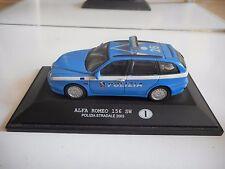 New Ray Alfa Romeo 156 SW Polizia Stradale 2003 in Blue on 1:43 on Base