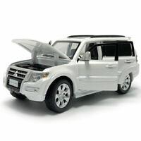 1:32 Mitsubishi Pajero SUV Die Cast Modellauto Spielzeug Weiß Sammlung mit Licht