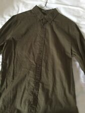 MOSSIMO LONG SLEEVE ARMY GREEN SHIRT WITH GOLD/BLACK ACCENTS -SIZE MEDIUM