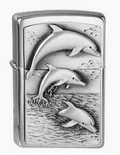 ZIPPO accendino Dolphins M. emblema Brushed Chrome Delfino Delfini Pesci NUOVO OVP