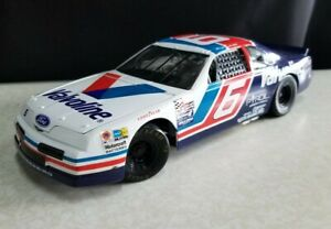 ERTL 1:18 NASCAR VALVOLINE #6 MARK MARTIN RACE CAR GOOD USED CONDITION