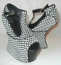 Jeffrey Campbell Women's Foxy Nite Black and White Platform Heels size 6.5