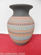 NAVAJO POTTERY CARVED VASE POT - SIGNED - C. SMITH # 402435[4indian]