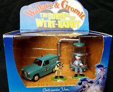 CORGI CC80502 WALLACE & GROMIT ANTI-PESTO VAN, BUN VAC & FIGURES -  BOXED