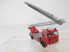 eso-4908Herpa 1:87 MAN Feuerwehr Leiterwagen mit minimale Gebrauchsspuren