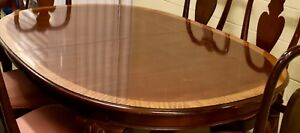 Ethan Allen Burl wood Dinning Table with Cabriole legs, Dust cover,2Leafs
