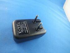 USB Netzteil AC Adaptor Power Supply MP3 MP4 YJ-1002 330 mA 50 Hz 5V Ladegerät