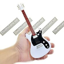 Mini Guitar scale 1:4 JOHNNY RAMONE CBGB ramones miniature gadget collectible