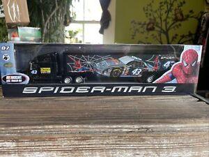 Bobby Labonte #43 Spiderman 2007 Hauler  2007 Winners Circle 1:64 Transporter