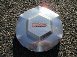 One factory 2002 to 2009 GMC Envoy polished wheel center cap hubcap