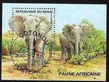 0089+ TIMBRE BENIN  BLOC  ELEPHANTS    1995