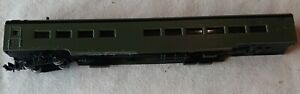 N Scale Con-Cor undecorated Smoothside Coach Passenger Car missing one truck