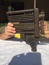 Vintage Primative Cast Iron Washer Wringer Antique Laundry Hand Crank ruffle