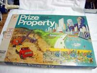 Milton Bradley 1974 : Prize Property - The Land Development Family Game