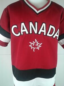 Boys Teepee SS red v neck Canada jersey size 10-12