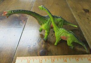 Brachiosaurus dinosaur pair--mother and infant