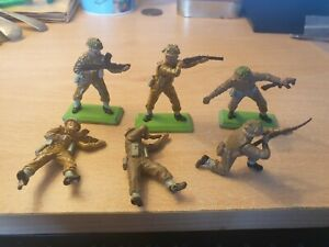 deetail Britains Ltd 1971 toy soldiers set of 6