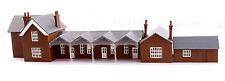 Kestrel N Gauge Plastic Railway/Buildings and Layout GMKD1000 Town Station Set.