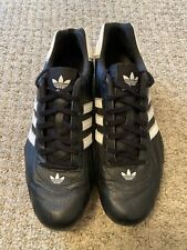 Adidas goodyear Baskets. Taille 11 UK