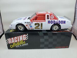 Neil Bonnett #21 Hodgdon 1982 Thunderbird Action NASCAR Diecast 1:24 stock L61